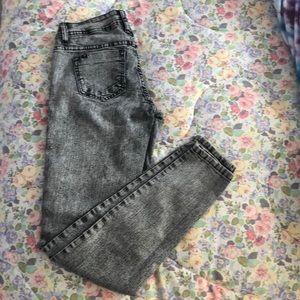 1af873590b1 Women Hot Topic Acid Washed Jeans on Poshmark